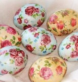 яйцо с узором цветов